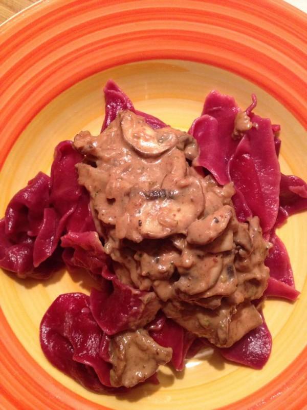 Red Pasta mit Champignoncreme