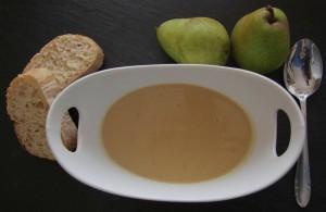 Birnen-Sellerie-Gorgonzola-Suppe