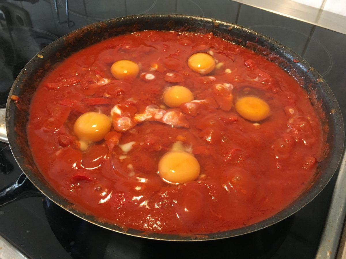 Shakshuka - Eier in Tomatensoße