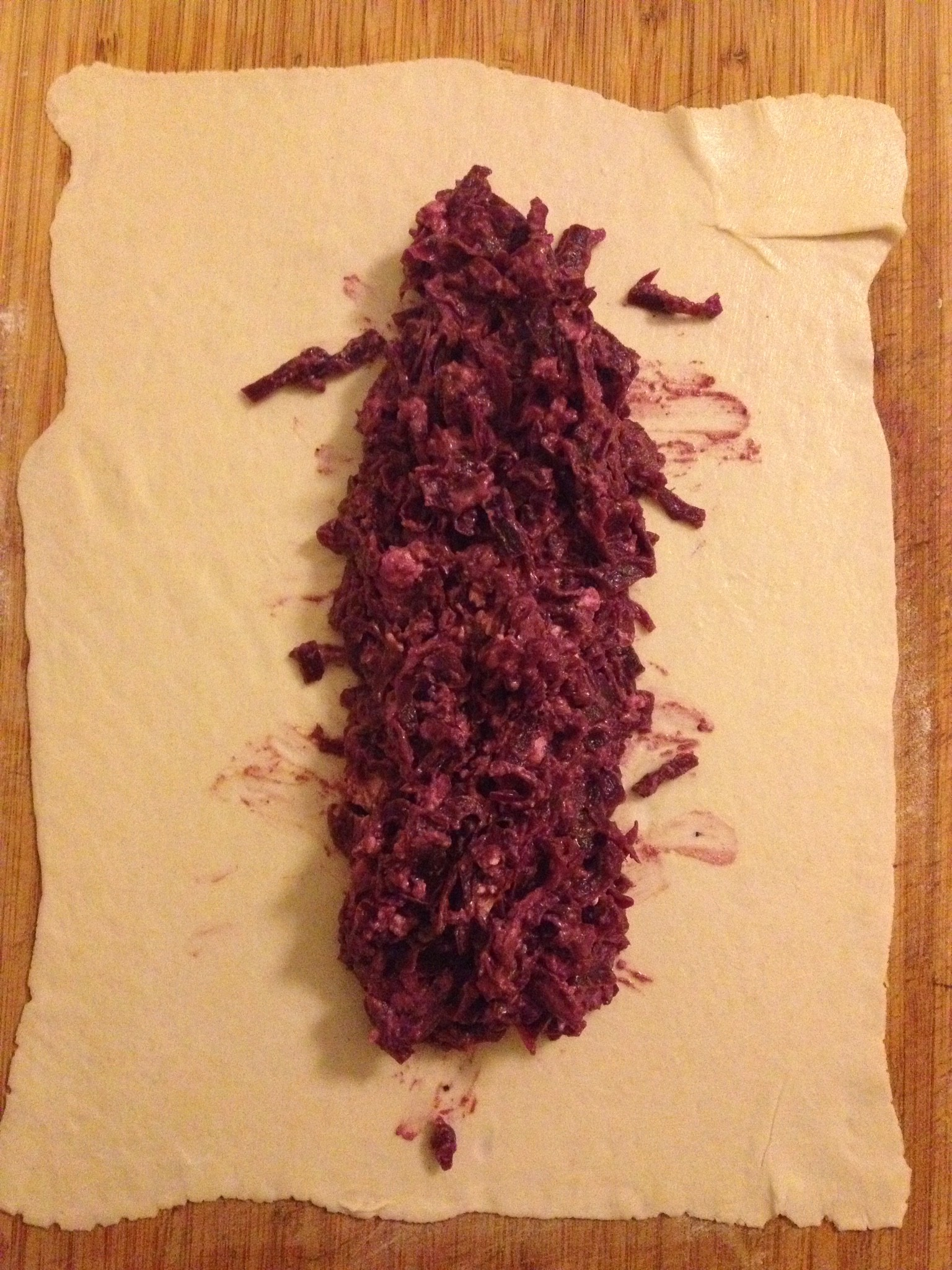 Rotkraut-Feta auf Blätterteig